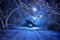 Синий фонарь на дороге в сказку