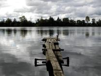 По деревянным мосткам мы уйдем туда, где не видно солнечный свет