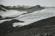 Кит у подножья Эльбруса
