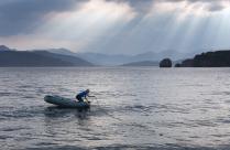 Рыбак в Авачинской бухте