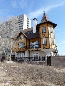 Фахтверковая архитектура в спальном районе