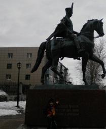 Памятник Надежде Андреевой Дуровой