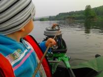 Сын, 3,5 года,  запускает Ветерок-12