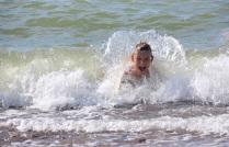 Плескаться в волнах - это счастье!