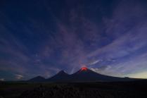 Ночные вулканы Камчатки