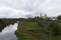 Вид с моста на Гусь-Железный и Церковь Живоночальной Троицы