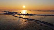 Зимний восход на Байкале