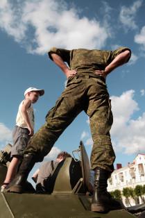 Солдат без головы.