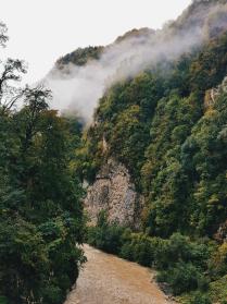 Туман над речкой Мзымта