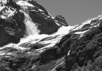 Сход лавины с горы Софруджу