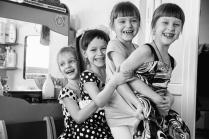 Девчушки-хохотушки