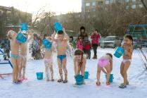 Водой холодной обливайся, если хочешь быть здоров!