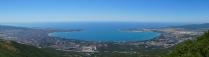 Геленджикская бухта с вершины Маркотхского хребта