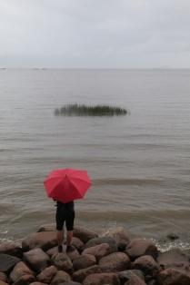 Путешествие красного зонта