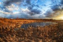 Закат на озере.
