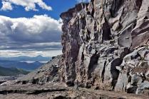 Стена каньона одной из шести сухих рек .