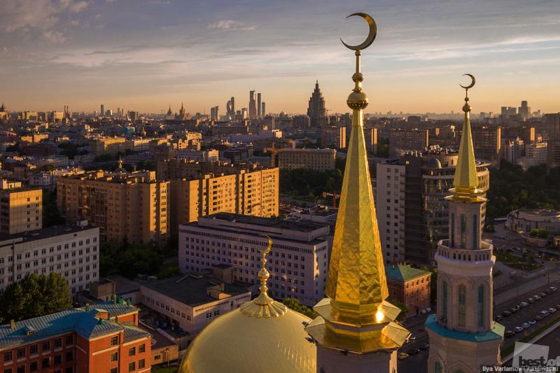 Вид на московскую Соборную мечеть