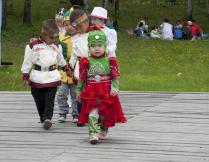 Юная модель на якутском празднике Ысыах