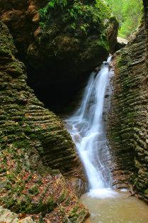 Водопад «Сердце Руфабго»