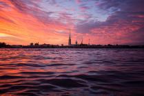 Закат над вольной Невой
