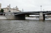 По Москве-реке