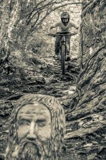 Иностранцы на Орлиных скалах в горах Сочи