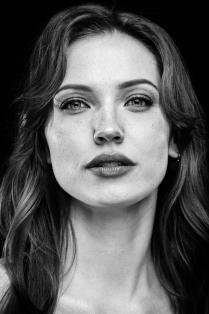 Джоли?