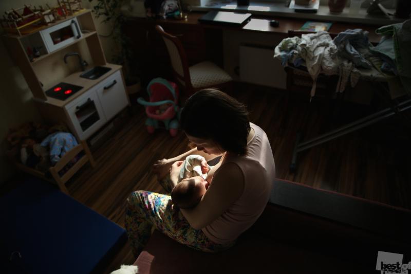 Из серии о многодетных матерях