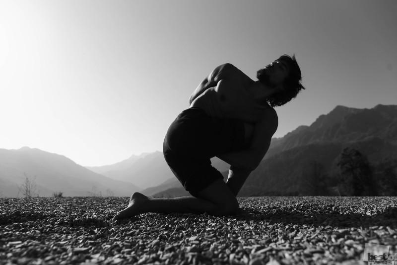 Паривритта - йога в горах