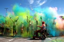 красочный взрыв эмоций