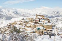 Первый снег в горном селе