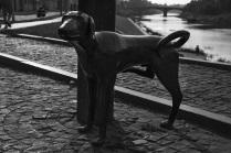 Памятник писающей собаке в Вологде