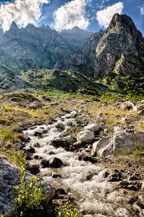 Горы. Северная Осетия.