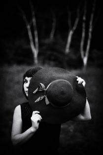 ...Она в себе хранила тайный след... А. Блок