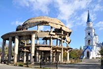 Памятник ВОВ  РОТОНДА, которому суждено исчезнуть.