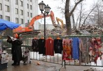 Продолжаются работы по демонтажу самостроя и вывозу мусора в Москве
