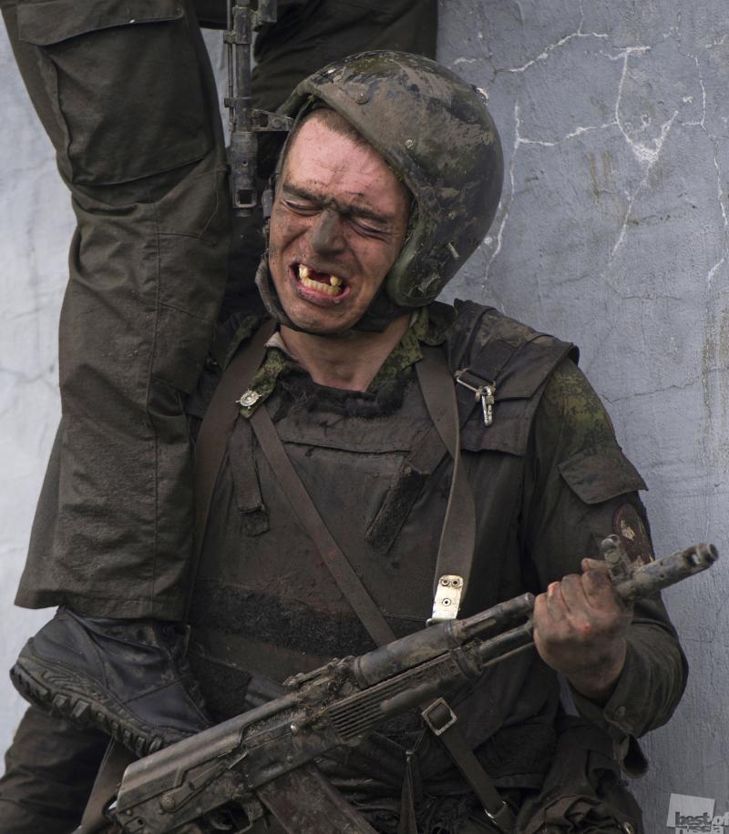 Испытания на право ношения крапового берета среди военнослужащих внутренних войск МВД России