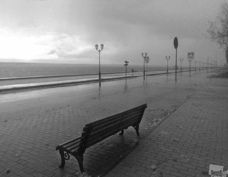 Осенний пляж на Волге.