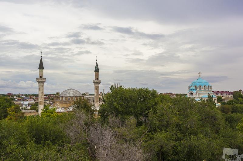 Мирная история двух религий