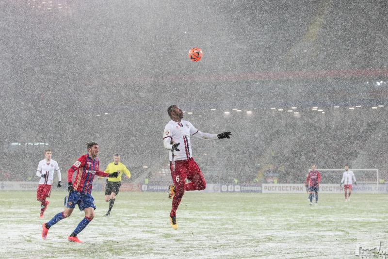 Для футбола нет плохой погоды