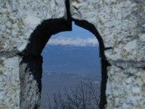 Горы сквозь камни