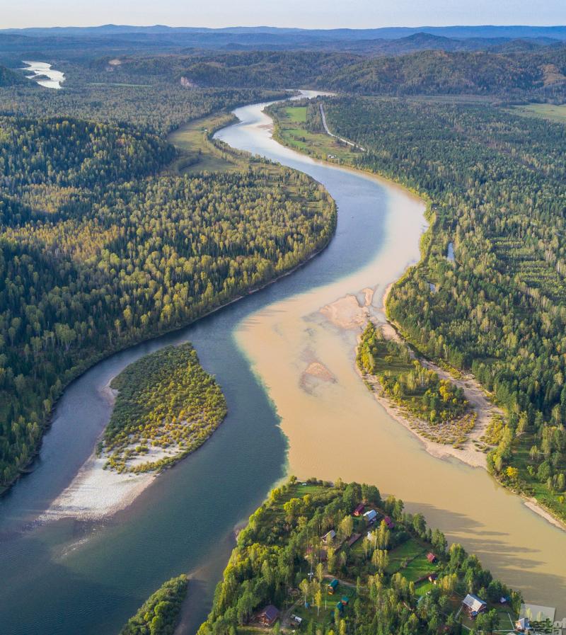 Слияние рек Бия и Лебедь