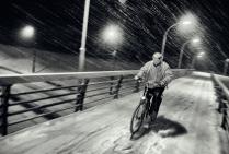 Снежный велосипедист.