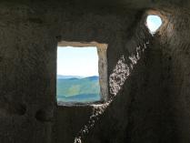 окна Мангуп-Кале