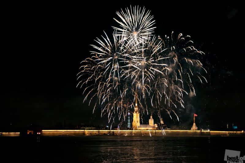 Новогодний салют в Санкт-Петербурге
