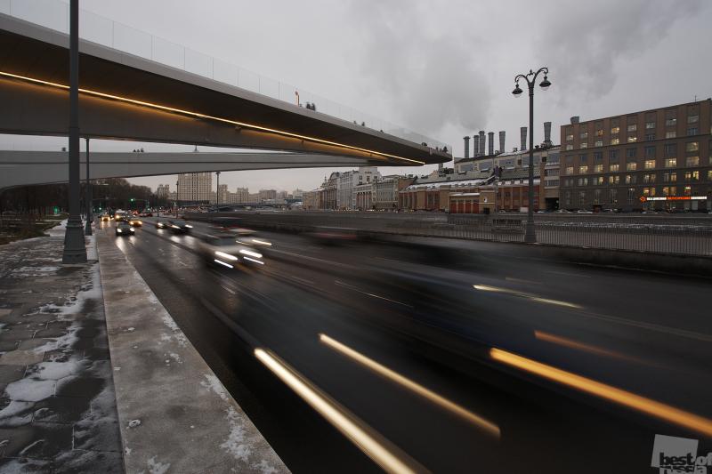 "Вид на парящий мост в парке ""Зарядье"""
