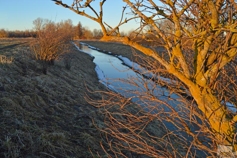 Свежий закат на канале