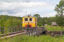Автомотриса АС-1 на деревянном железнодорожном мосту