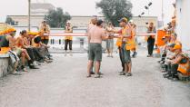 Оранжевые будни рабочих