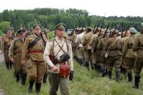Солдаты перед боем. Реконструкция первой мировой войны.
